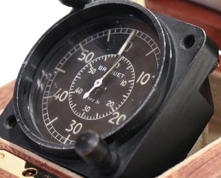 Le Concorde et les montres - Page 2 Montre157_4